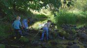 ICH BIN ICH: Pelle, Rasmus und Leo bauen einen Staudamm